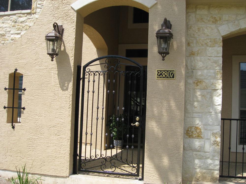 Walkway Amp Driveway Gates Miranda S Colonial